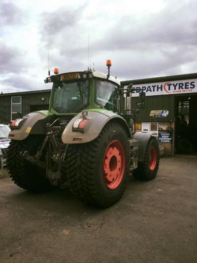 images/contentImages/tractor wooler.jpg